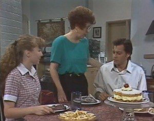Debbie Martin, Margaret Alessi, Rick Alessi in Neighbours Episode 1864