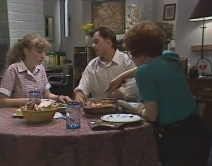 Debbie Martin, Rick Alessi, Margaret Alessi in Neighbours Episode 1864