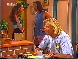 Gaby Willis, Wayne Duncan, Brad Willis in Neighbours Episode 1890