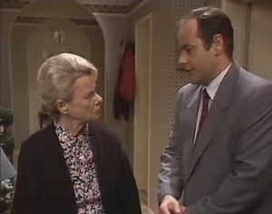 Helen Daniels, Philip Martin in Neighbours Episode 1957
