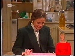 Julie Robinson in Neighbours Episode 1979