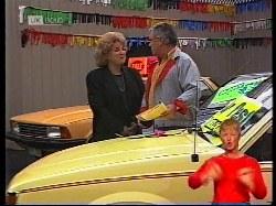 Cheryl Stark, Lou Carpenter in Neighbours Episode 1979