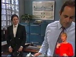 Julie Robinson, Philip Martin in Neighbours Episode 1979
