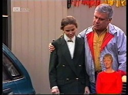 Julie Robinson, Lou Carpenter in Neighbours Episode 1979
