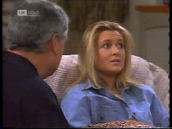 Lou Carpenter, Lauren Turner in Neighbours Episode 1996