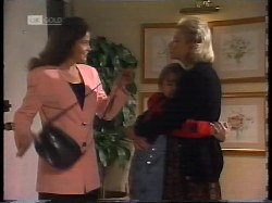 Julie Robinson, Hannah Martin, Helen Daniels in Neighbours Episode 1996
