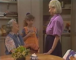 Rosie McClaren, Hannah Martin, Helen Daniels in Neighbours Episode 2047