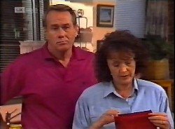 Doug Willis, Pam Willis in Neighbours Episode 2069