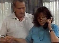 Doug Willis, Pam Willis in Neighbours Episode 2071