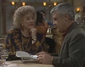 Cheryl Stark, Lou Carpenter in Neighbours Episode 2119