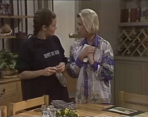 Julie Robinson, Helen Daniels in Neighbours Episode 2194