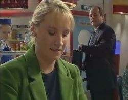 Ruth Wilkinson, Philip Martin in Neighbours Episode 2897