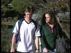Billy Kennedy, Caitlin Atkins in Neighbours Episode 2996