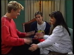 Billy Kennedy, Anne Wilkinson, Susan Kennedy in Neighbours Episode 3222