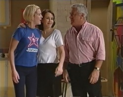 Amy Greenwood, Libby Kennedy, Lou Carpenter in Neighbours Episode 3239