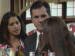 Sarah Beaumont, Karl Kennedy, Susan Kennedy in Neighbours Episode 3282