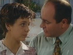Hannah Martin, Philip Martin in Neighbours Episode 3294