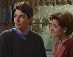 Paul McClain, Hannah Martin in Neighbours Episode 3418