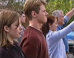 Anne Wilkinson, Paul McClain, Lance Wilkinson, Susan Kennedy, Lou Carpenter in Neighbours Episode 3418