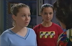 Michelle Scully, Bianca Nugent, Lyn Scully in Neighbours Episode 3546