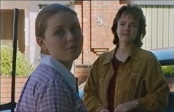 Michelle Scully, Lyn Scully in Neighbours Episode 3546