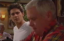 Matt Hancock, Lou Carpenter in Neighbours Episode 3794