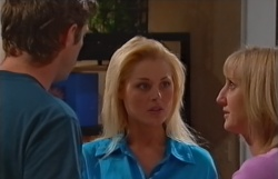 Evan Hancock, Dee Bliss, Maggie Hancock in Neighbours Episode 3794
