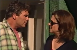 Joe Scully, Lyn Scully in Neighbours Episode 4063