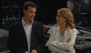 Paul Robinson, Izzy Hoyland in Neighbours Episode 4631