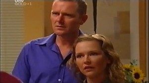 Max Hoyland, Steph Scully in Neighbours Episode 4763