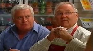 Lou Carpenter, Harold Bishop in Neighbours Episode 4764