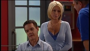 Paul Robinson, Lucy Robinson in Neighbours Episode 4771