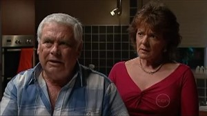 Lou Carpenter, Mishka Schneiderova in Neighbours Episode 4997