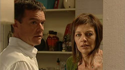 Paul Robinson, Gail Robinson in Neighbours Episode 5241