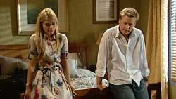 Elle Robinson, Oliver Barnes in Neighbours Episode 5241