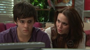 Zeke Kinski, Libby Kennedy in Neighbours Episode 5349