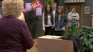 Valda Sheergold, Libby Kennedy, Oliver Barnes, Rachel Kinski, Declan Napier in Neighbours Episode 5350