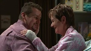 Toadie Rebecchi, Susan Kennedy in Neighbours Episode 5352
