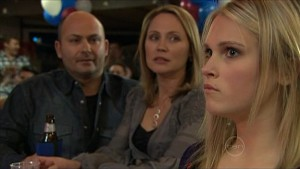Steve Parker, Miranda Parker, Janae Timmins in Neighbours Episode 5359