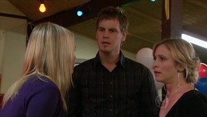 Janae Timmins, Ned Parker, Kirsten Gannon in Neighbours Episode 5359