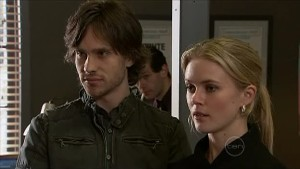 Riley Parker, Elle Robinson in Neighbours Episode 5359