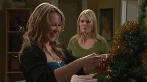 Steph Scully, Janae Timmins in Neighbours Episode 5360