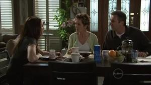 Libby Kennedy, Susan Kennedy, Karl Kennedy in Neighbours Episode 5363