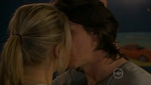 Janae Timmins, Darren Stark in Neighbours Episode 5364