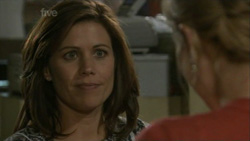 Rebecca Napier, Elle Robinson in Neighbours Episode 5436