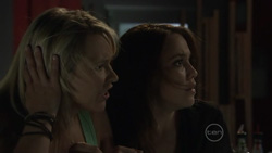 Steph Scully, Libby Kennedy in Neighbours Episode 5437