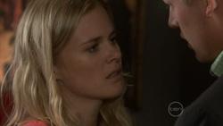 Elle Robinson, Oliver Barnes in Neighbours Episode 5437