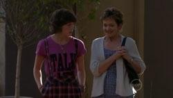 Bridget Parker, Susan Kennedy in Neighbours Episode 5438