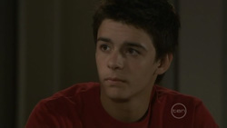 Zeke Kinski in Neighbours Episode 5439