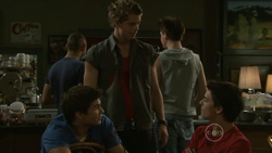 Declan Napier, Chris Knight, Zeke Kinski in Neighbours Episode 5439